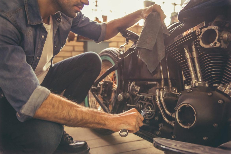 Les outils indispensables pour entretenir efficacement sa moto